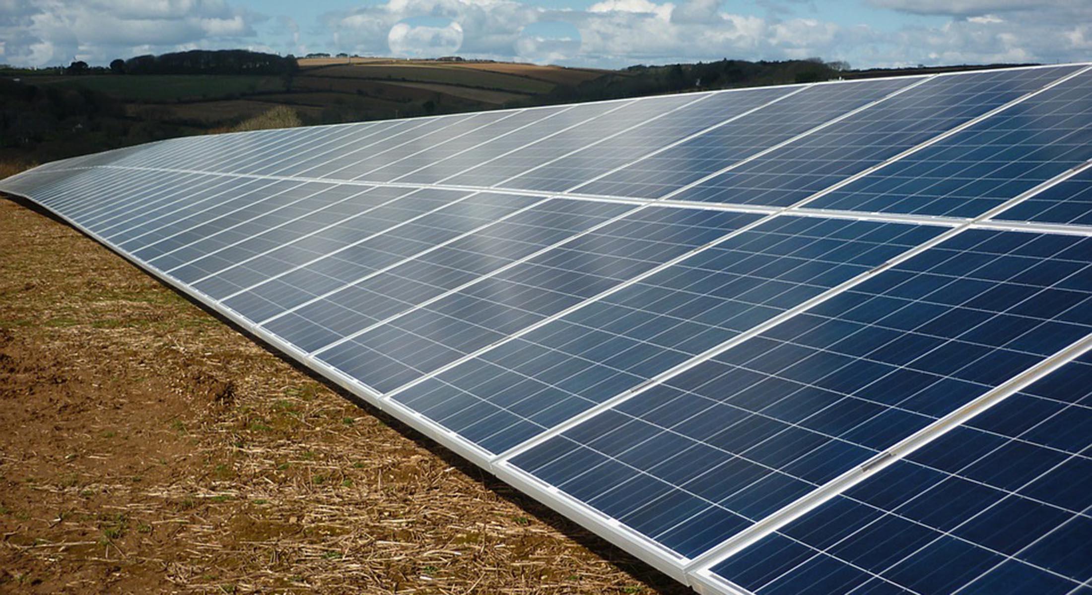 Ferme solaire. Terres agricoles jusqu au milieu des années 80, les 46  hectares (aujourd hui propriété communale) des Arrachis ont ensuite servi à  accueillir ... f900a0469f61
